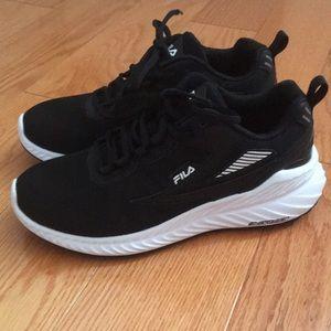 BNWOT Fila Running Shoes - Size 7